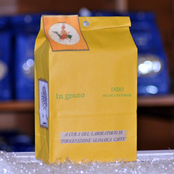 Кофе Giamaica Caffè сорт Indo arabica naturale в зернах